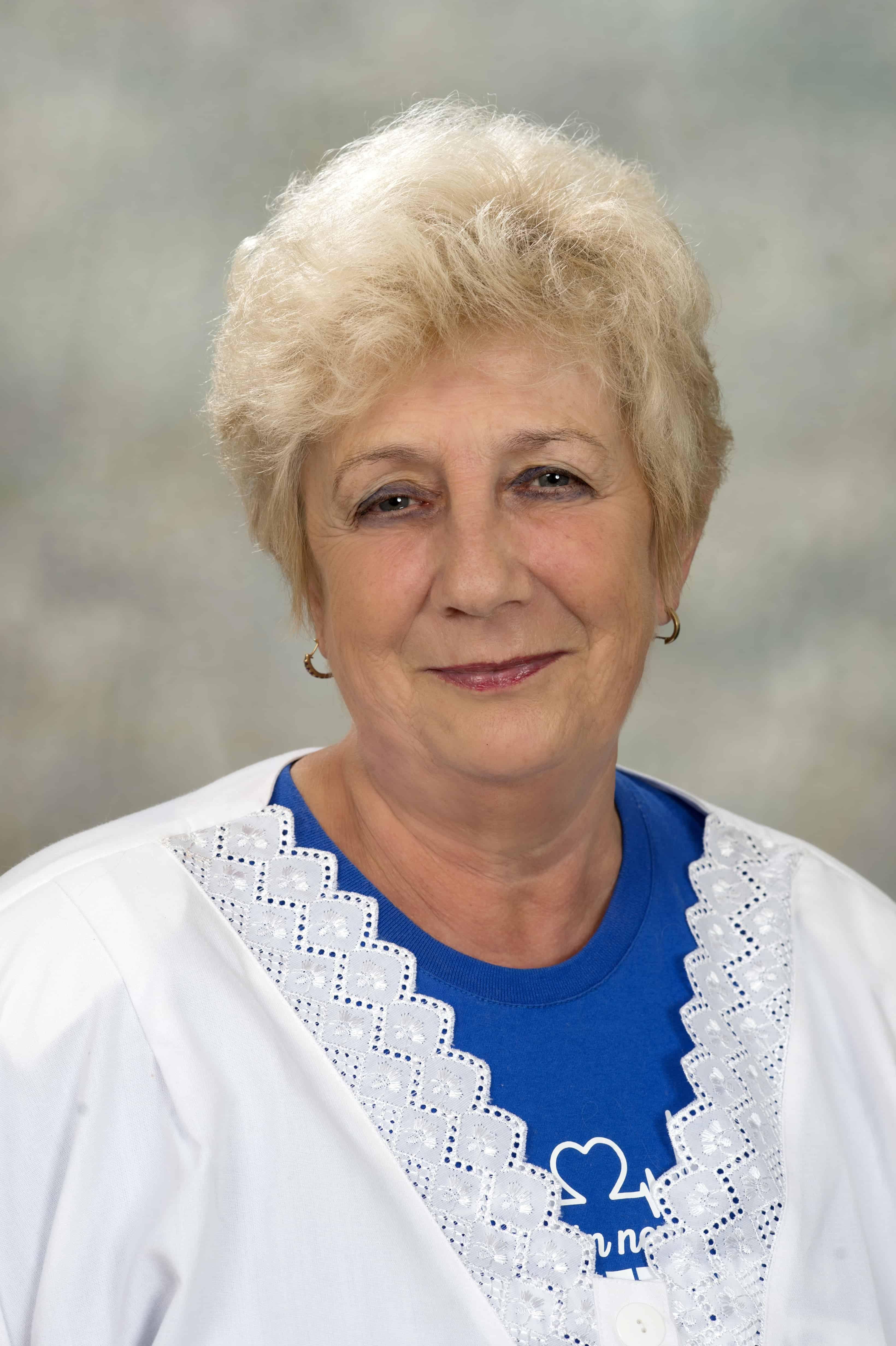Tóthnés Szabó Éva - egészségügyi szakápoló illetve körzeti nővér